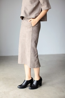 【AZUL by moussy】フェイクスエードミディタイトスカート
