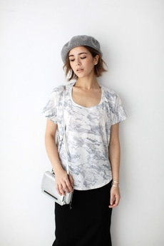 【AZUL by moussy】マーブル総柄半袖T
