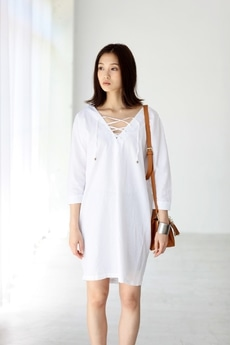 【AZUL by moussy】レースアップ5分シャツワンピース