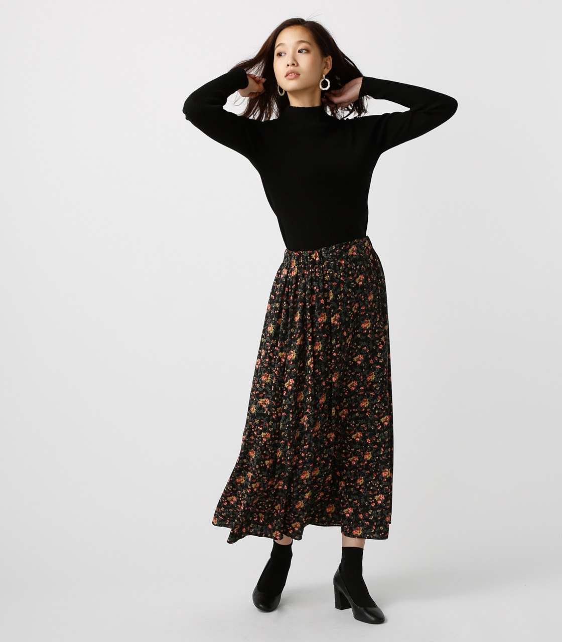 【AZUL BY MOUSSY】ローズブーケ柄ロングスカート 詳細画像 柄BLK 4