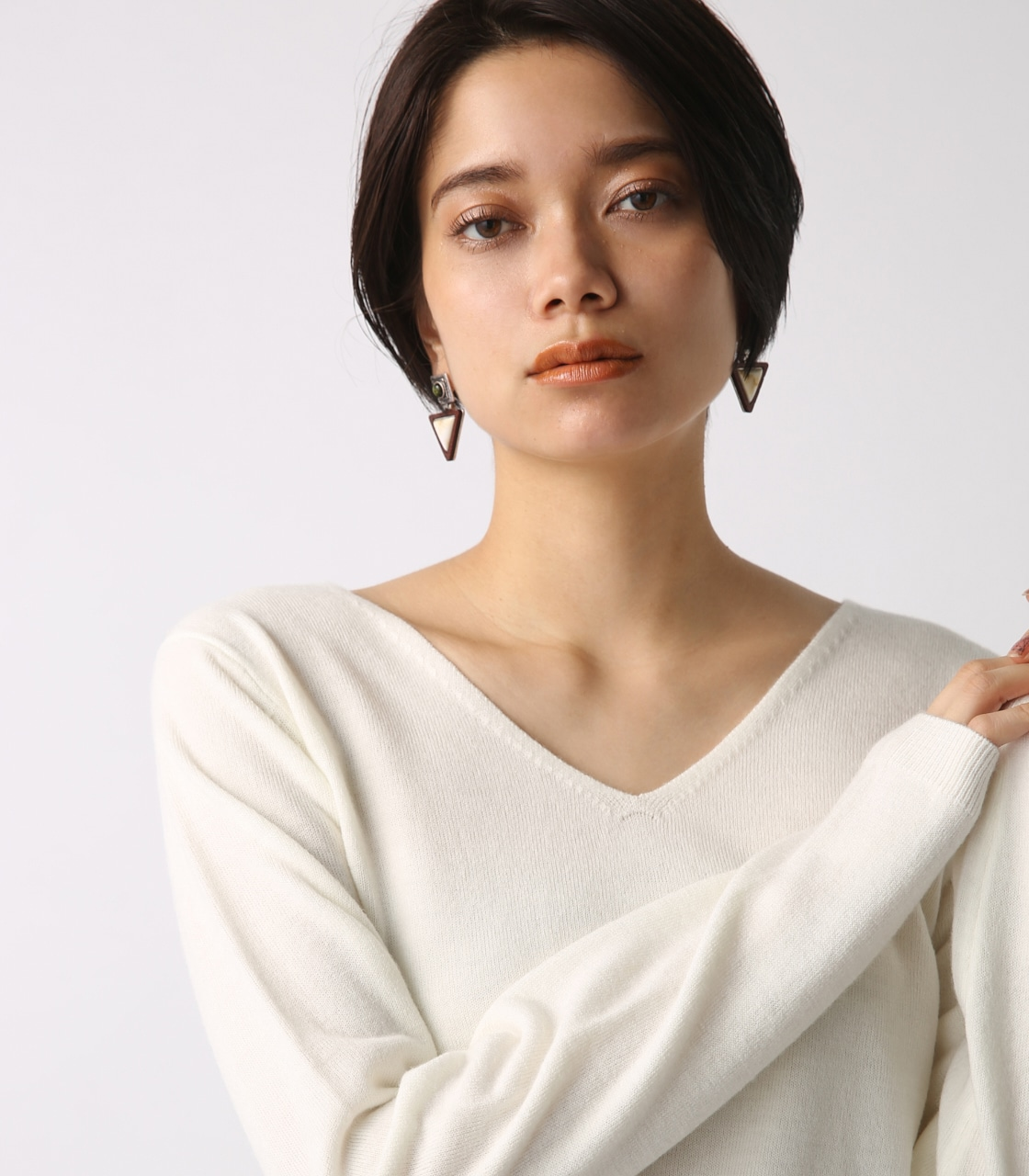 【AZUL BY MOUSSY】ウォッシャブルソフトタッチVネック長袖プルオーバー 詳細画像 O/WHT 1