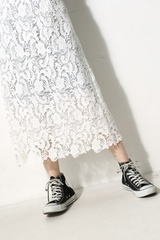 【AZUL by moussy】コットンレースミディスカート