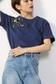 《5/7まで期間限定価格》【予約商品】【AZUL by moussy】花刺繍クルーネックTEEMOOK番号93154