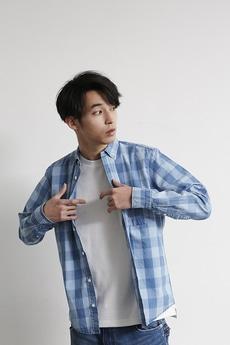 【AZUL by moussy】インディゴチェックボタンダウン長袖シャツ