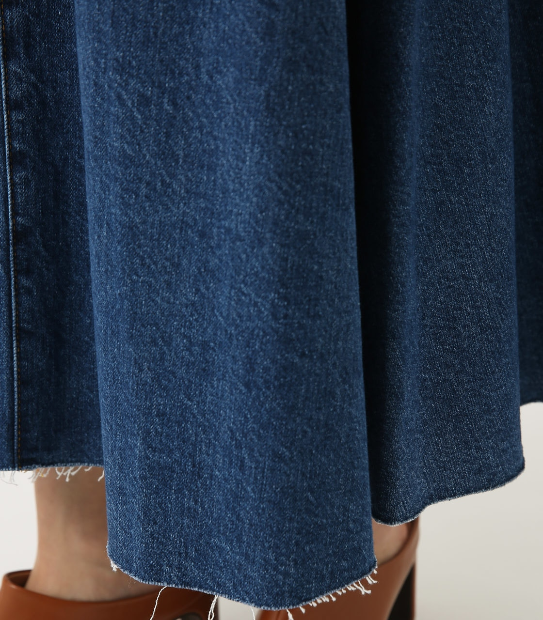 CUT OFF FLARE DENIM LONG SKIRT 詳細画像 BLU 8