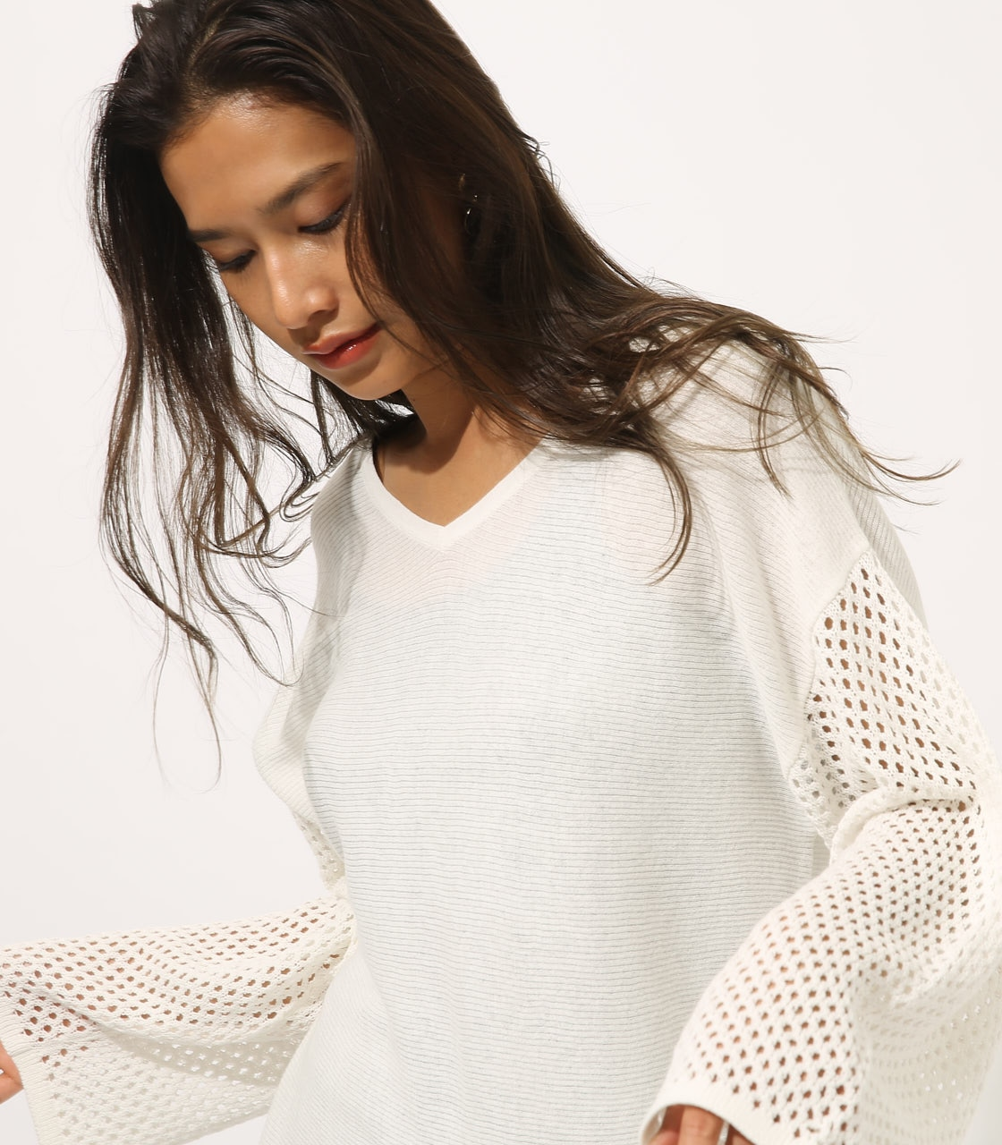 【AZUL BY MOUSSY】CROCHET SLEEVE KNIT TOPS 詳細画像 O/WHT 2