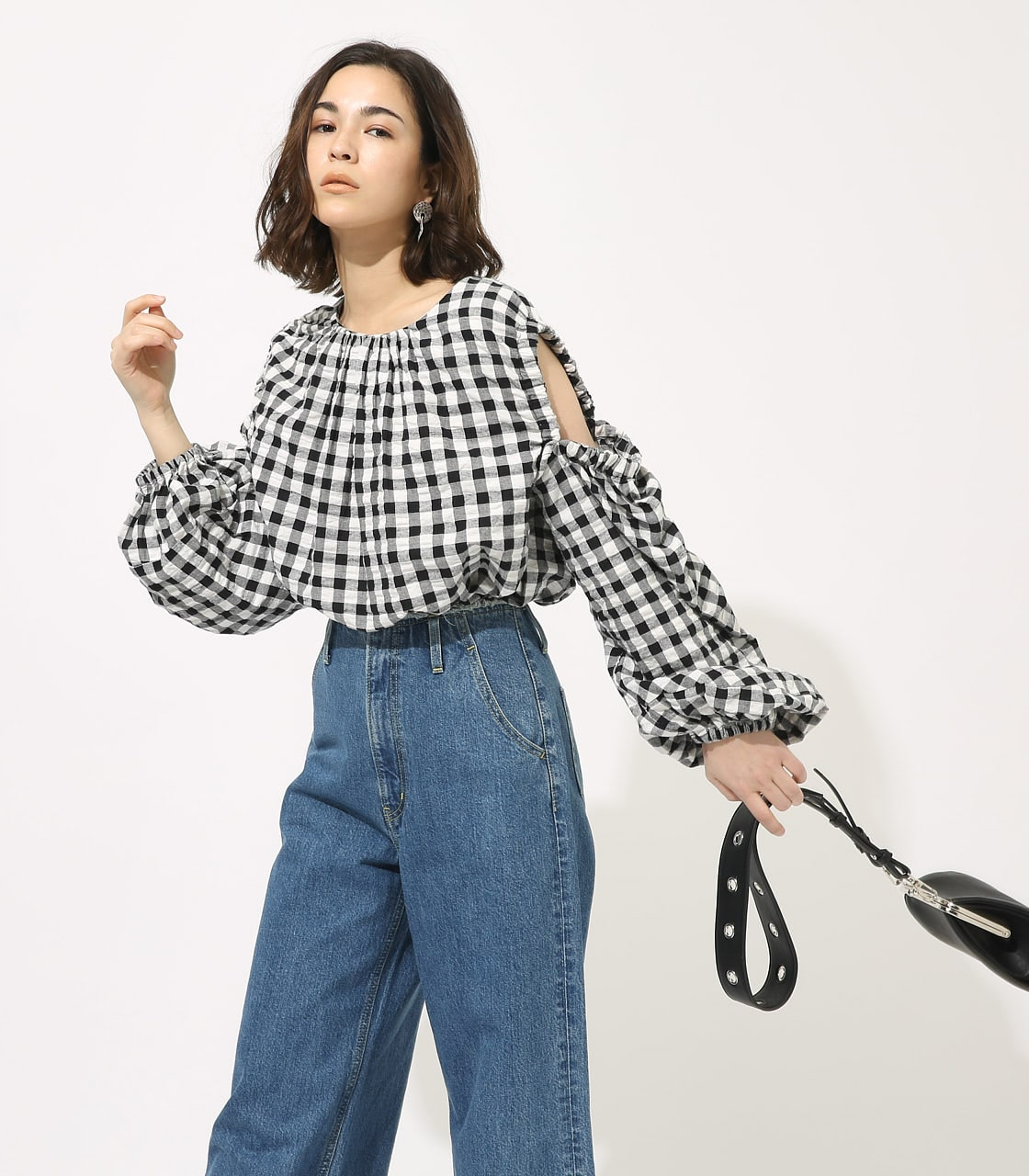 【AZUL BY MOUSSY】GINGHAM OPEN SHOULDER TOPS 【MOOK49掲載 90053】 詳細画像 柄BLK 1