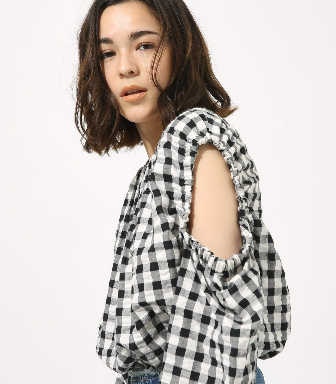 【AZUL BY MOUSSY】GINGHAM OPEN SHOULDER TOPS 【MOOK49掲載 90053】 詳細画像 柄BLK 2