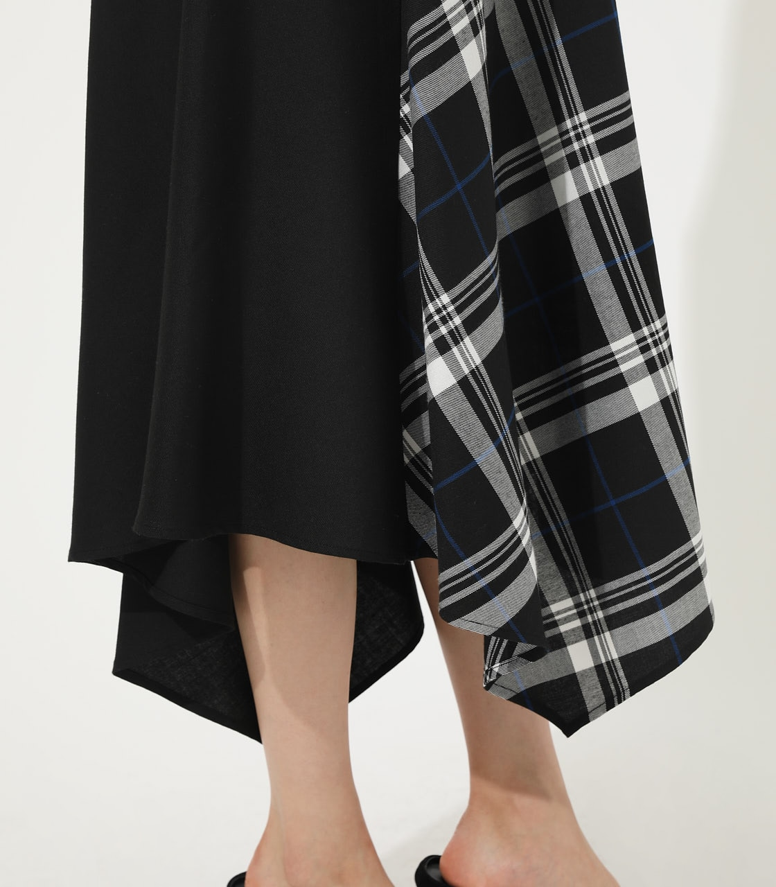 【AZUL BY MOUSSY】CHECK ASYMMETRY PATTERN SKIRT 詳細画像 柄BLK 9