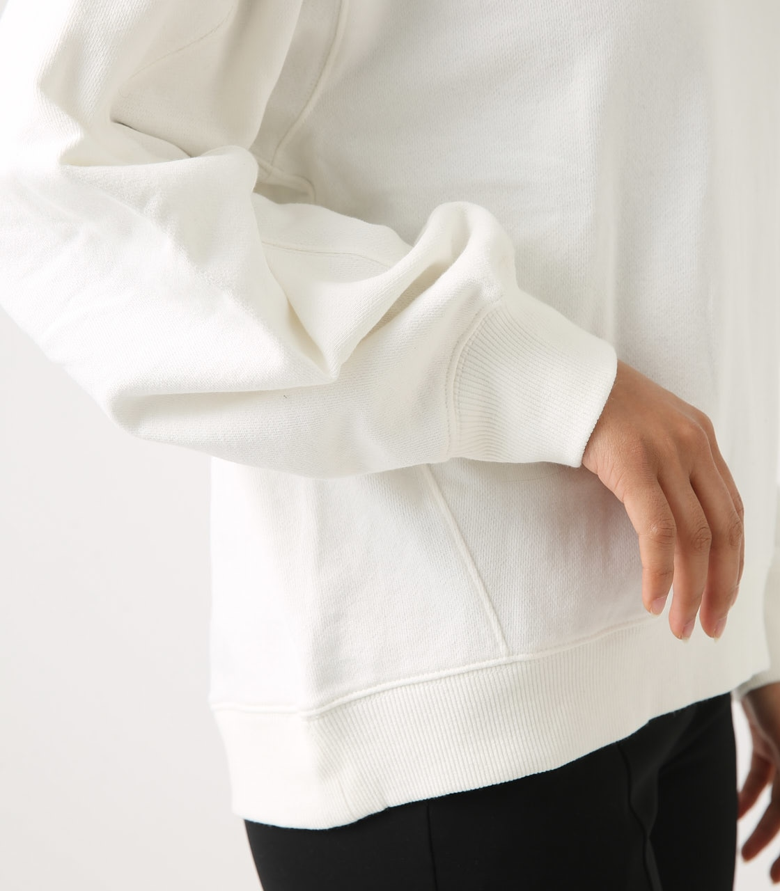 【AZUL BY MOUSSY】SLEEVE TUCK SWEAT TOPS 詳細画像 O/WHT 9