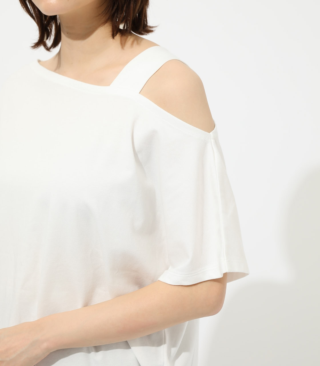 【AZUL BY MOUSSY】ONE SHOULDER CUT TOPS 詳細画像 O/WHT 8