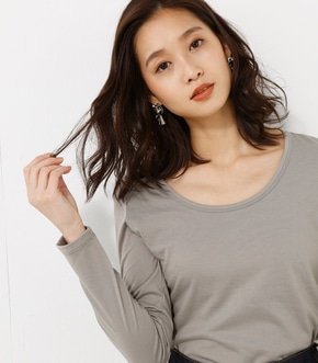 【AZUL BY MOUSSY】ベーシッククルーネック長袖プルオーバー