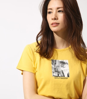 【AZUL BY MOUSSY】CITY PRINT Tシャツ