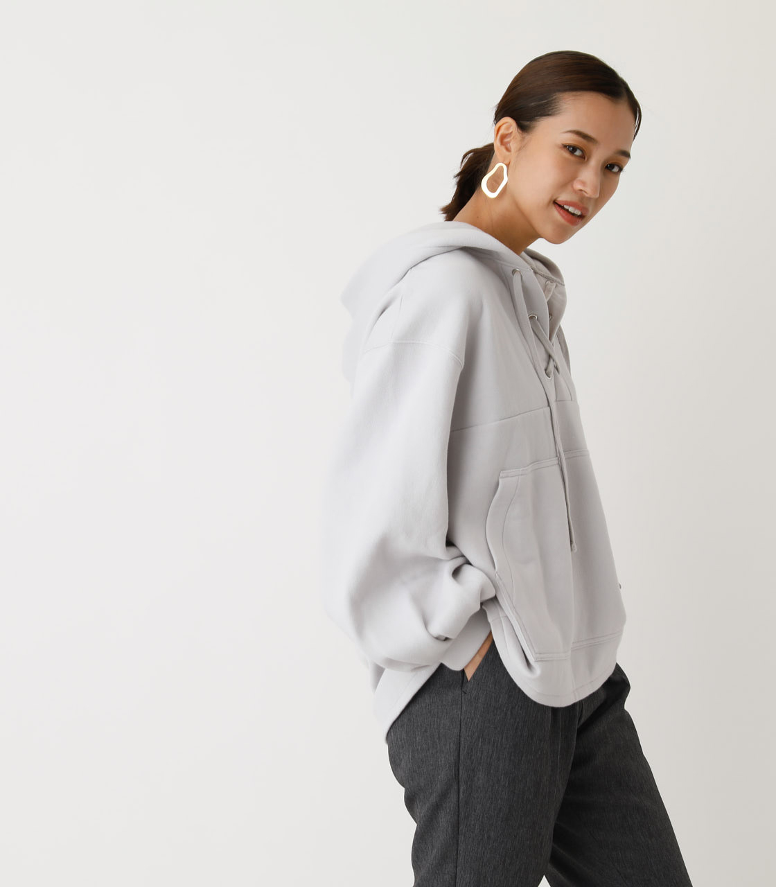 LACE-UP LOOSE HOODIE/レースアップルーズフーディ 詳細画像 L/GRY 2