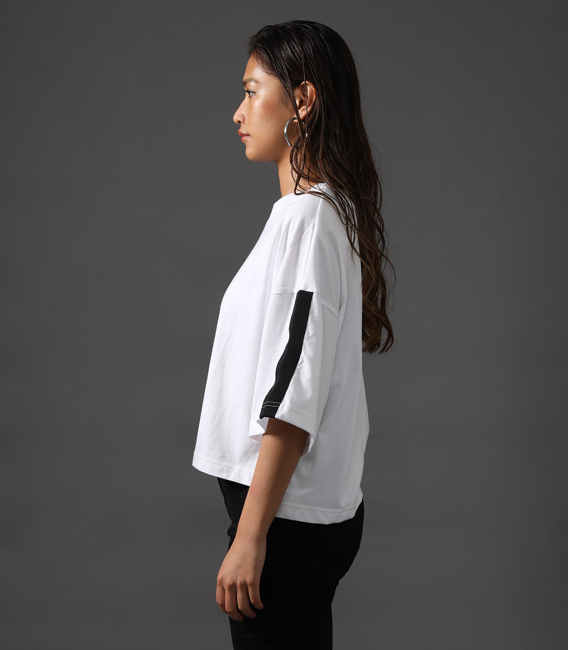 【AZUL BY MOUSSY】CLUB AZUL SLEEVE LINE TEE 詳細画像 O/WHT 5