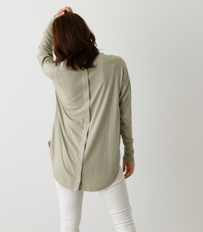 BACK BUTTON LONG T/バックボタンロングTシャツ